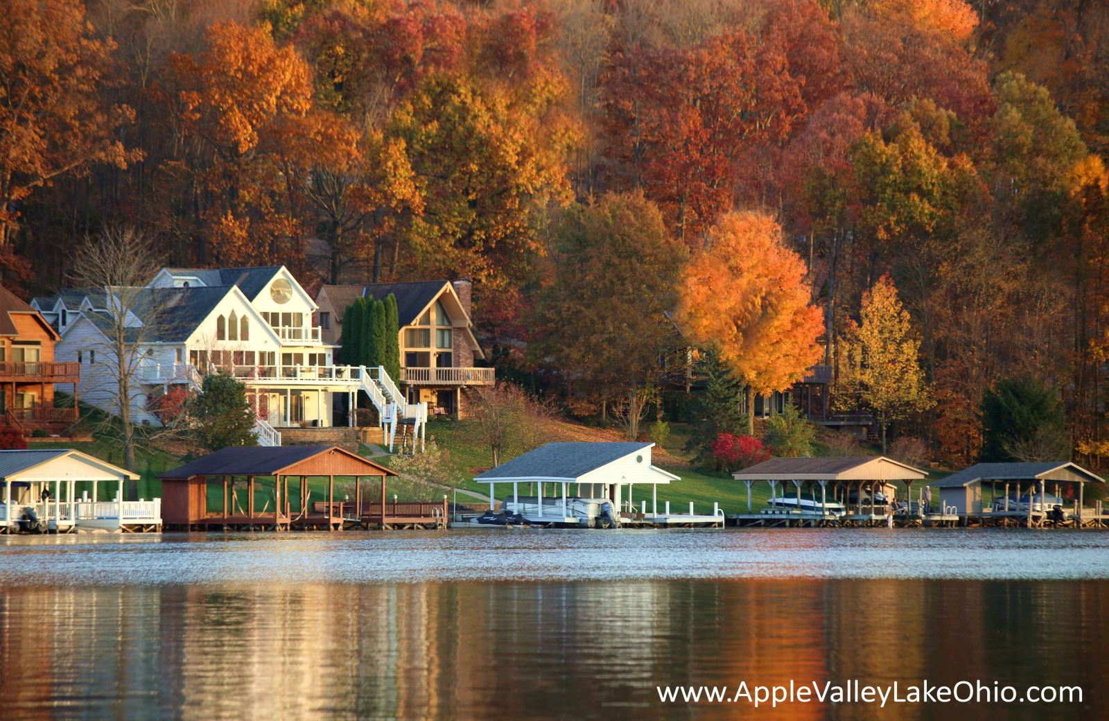 Weather at Apple Valley Lake - Fall